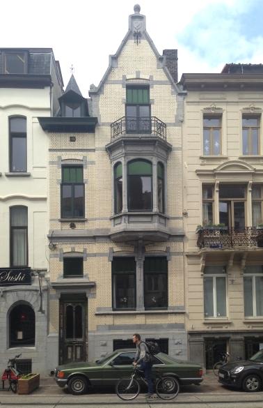 Restored front facade Belfortstraat